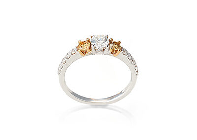 Ring 18kt Weißgold mit weißem und gelben Brillanten